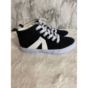 Cat & Jack Quincy Black & White Sneaker